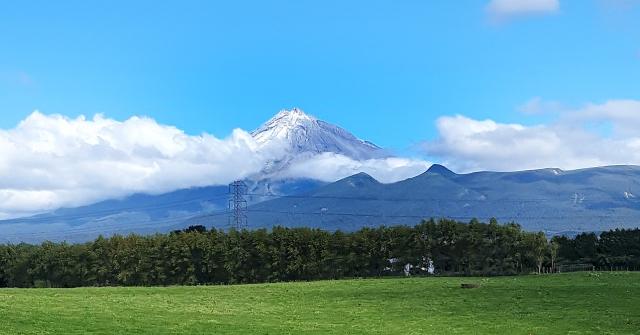 Mt Taranaki Ap 9 2019 LR